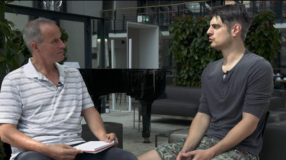 Abbildung Wolf-Dieter Fiege von GoDaddy im Videointerview mit Thorsten Frommen- Experte für Unit-Testing