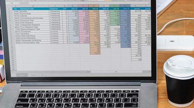 Excel Tipps für Einsteiger- 13 Wege Excel richtig zu nutzen_Laptop