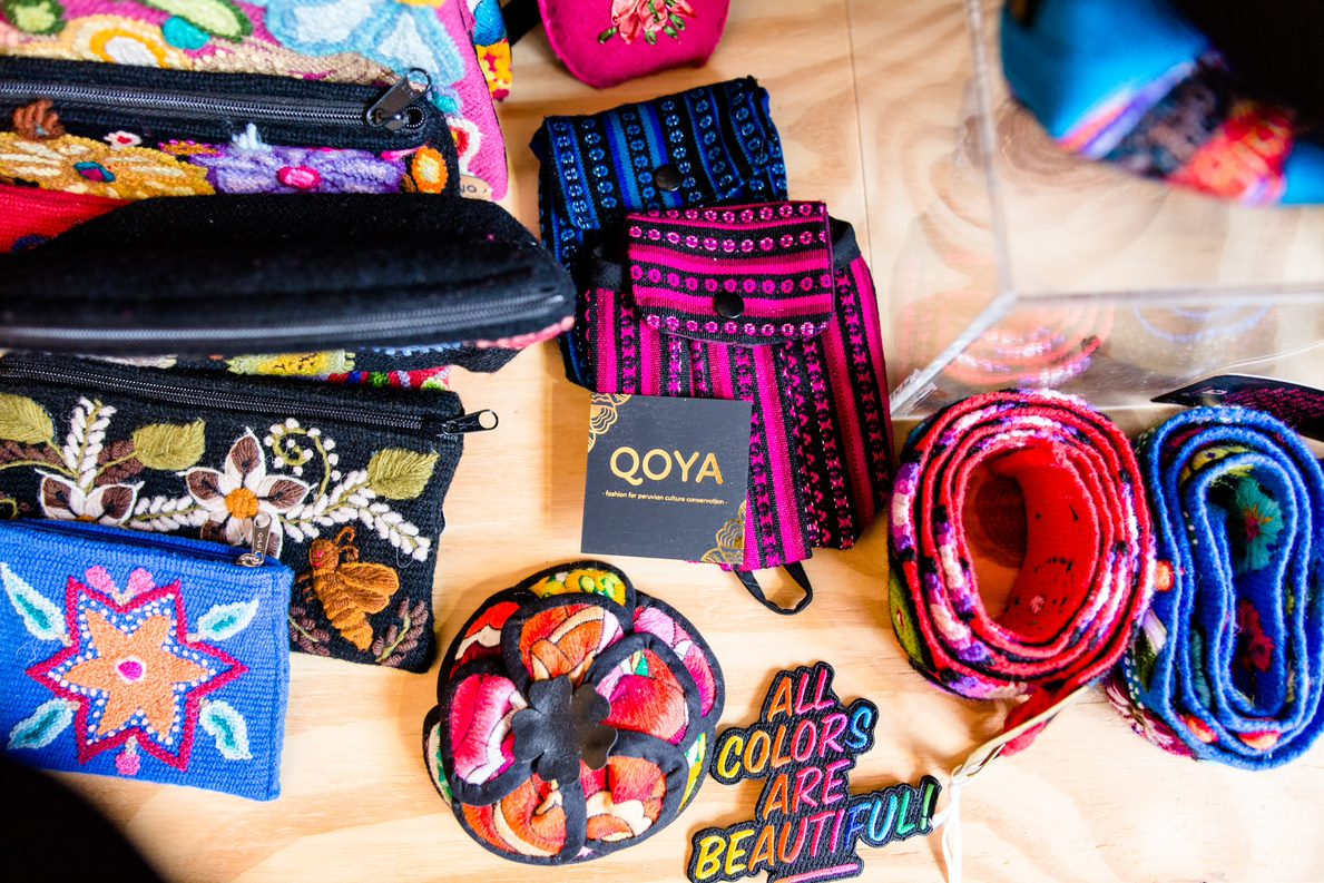 Qoya Clutch: Wenn der kulturelle Background zum Business wird Produkte