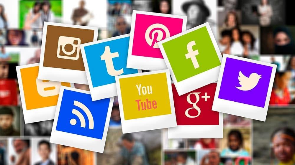 Social Media während der Sommerferien_Logos