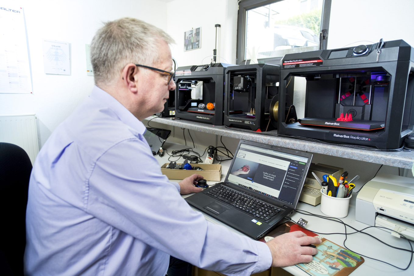 Ypsillon- Mit GoDaddy verwirklicht sich der 3D-Druck-Pionier selbst Website